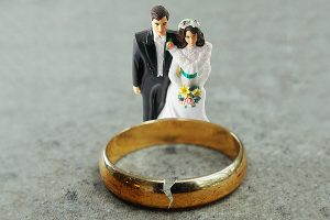 Divorce Attorney Pekin IL